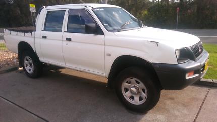 Mitsubishi Triton cheap Dual cab ute Automatic may rego