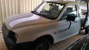 Mitsubishi Triton 2000. Swap for 4 x 4 Seville Grove Armadale Area Preview
