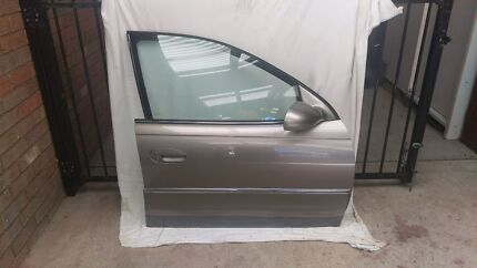 Holden wh statesman, caprice doors, mirror window, vt vx vy vz  Roxburgh Park Hume Area Preview