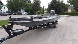19 ft bass boat with Johnson gt150 outboard