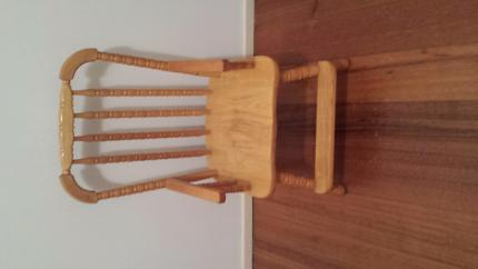 Kids pine chair