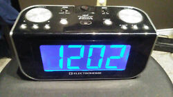 ELECTROHOME CR916E AM/FM PROJECTION ALARM CLOCK with LARGE BLUE LED DISPLAY