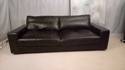 King Furniture  2 or 3 seater sofa lounge.  Can deliver