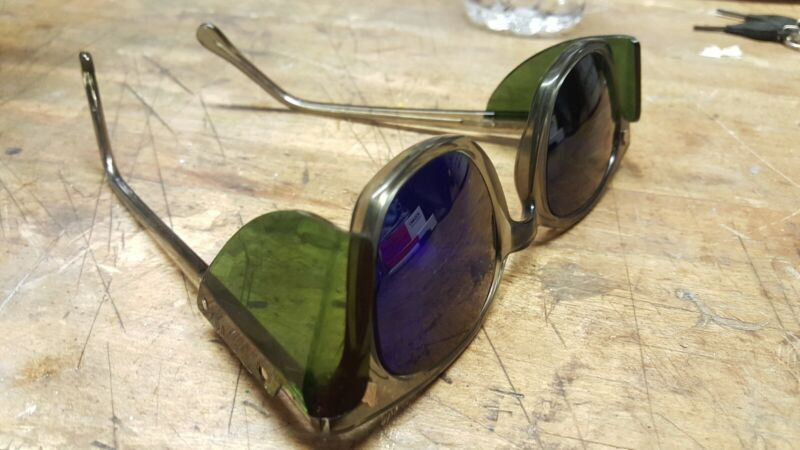A.O. welding glasses. Cobalt lens/Green shieldsLast Pair!!