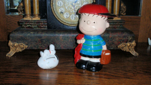 "1971 Vintage Hand Painted Ceramic Peanuts Bank Linus Rare 7.5"" & a Snoopy Bank"