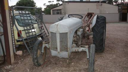 Ferguson TEA20 Tractor with Massey Ferguson Post Hole Digger Robertstown Goyder Area Preview