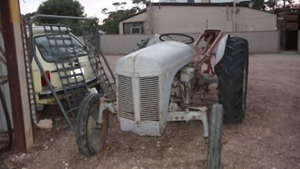 Bsa vintage bicycles miscellaneous goods gumtree australia ferguson tea20 tractor with massey ferguson post hole digger fandeluxe Gallery