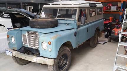 1980 Land-Rover 109 Series III Station Wagon
