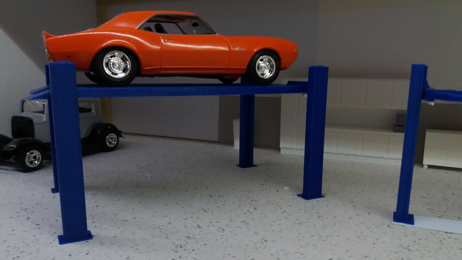 Car Parts - 4 post model car lift 1:24 1:25 scale Diorama