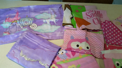 Girls single bed doona covers Excellent clean condition