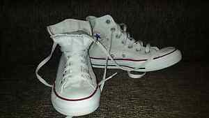 White Converse shoes women size 6 Cronulla Sutherland Area Preview