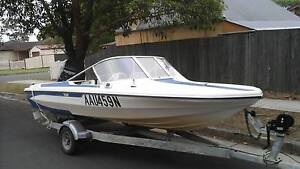4 Seat Glastron V152 Speed/Ski Boat 11 months rego Rose Bay Eastern Suburbs Preview