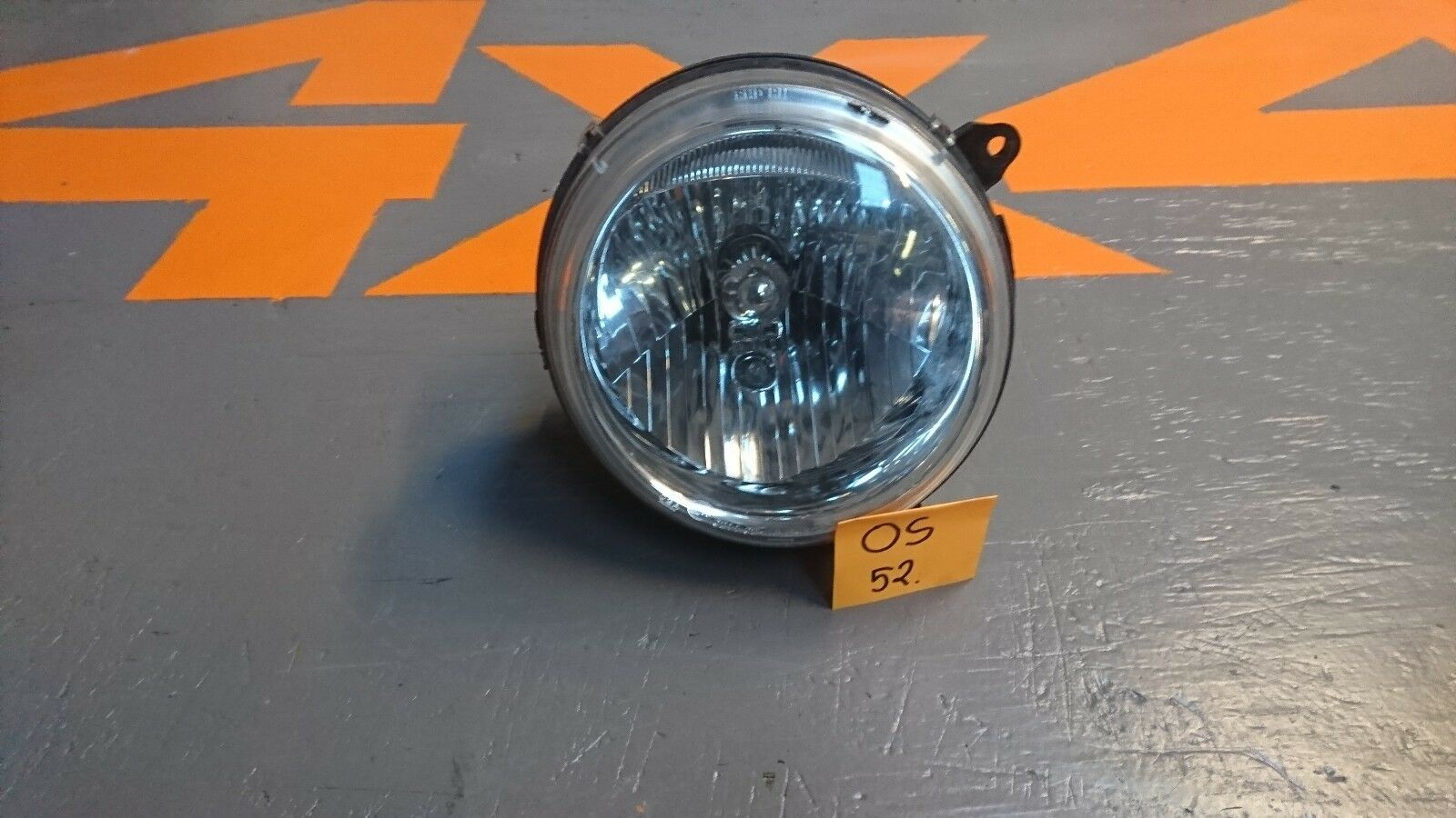 Jeep Cherokee KJ 2004 O/S Driver Side RH Headlight Headlamp