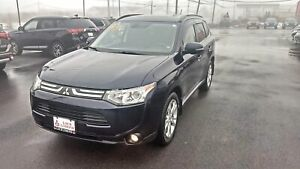 2014 Mitsubishi Outlander GT 4WDwith NAV - LOADED!!