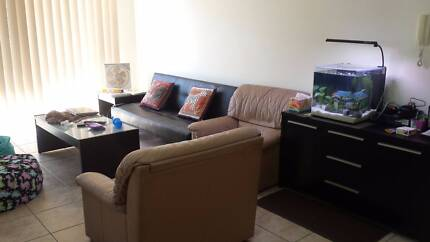 Indooroopilly Room for rent close to transport and shopping