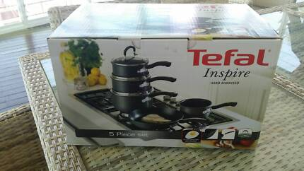 Tefal 5 piece cooking set - brand new in box