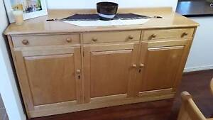 Buffet/sideboard large Dundowran Fraser Coast Preview