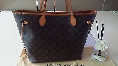 100% Authentic Louis Vuitton Neverfull MM Shoulder bag + Dust cover
