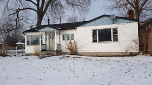 3 Bedroom Home NO STAIRS!!