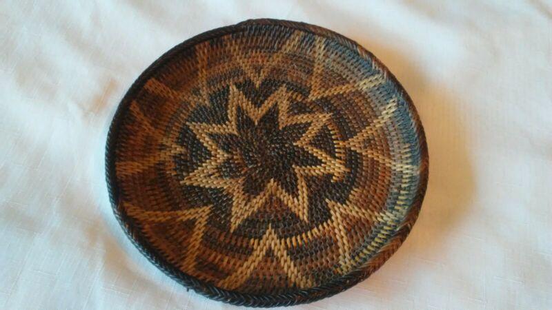 Vintage African/Native American(?) Flat Wall Basket 9 inch/diameter Beautiful!