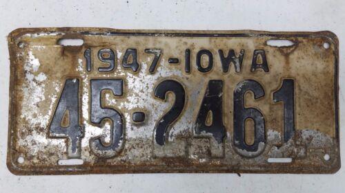 1947 IOWA Howard County License Plate 45-2461