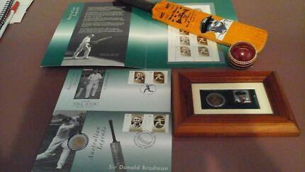 SIR DON BRADMAN PERSONALLY SIGNED COIN SLEEVE w EXTRAS