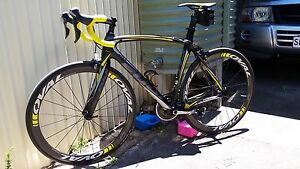 Fuji SST 1.1 Full Carbon Road Bike Pennington Charles Sturt Area Preview