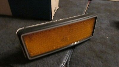 NOS 1971 1972 FORD COUNTRY SQUIRE FRONT PASSENGER SIDE SIDEMARKER LIGHT LAMP NEW 1972 Ford Country Squire