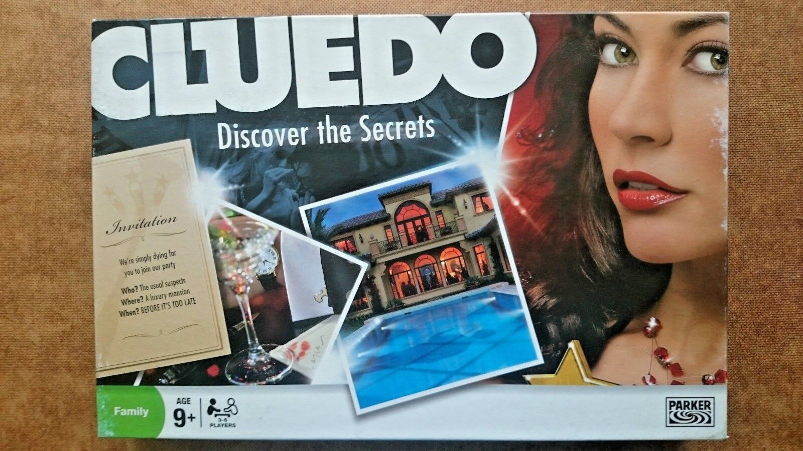 Cluedo Board Game Discover the Secrets  by Parker 2008 Edition