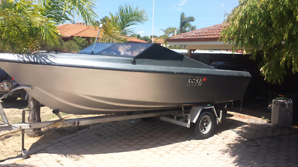 Urgent sale - 18 ft Mustang Runabout 200hp Mercury KINROSS
