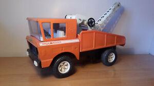 Camion grue WARD LA FRANCE de la Gendarmerie la grue est fixe modèle PER720
