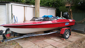 15 foot ski boat Armadale Armadale Area Preview