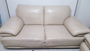 FREE KING FURNITURE  LOUNGES Moorebank Liverpool Area Preview