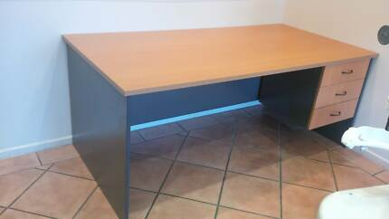 Commercial Office Desk.  MUST SELL ASAP!!  MAKE AN OFFER!!! Kunda Park Maroochydore Area Preview