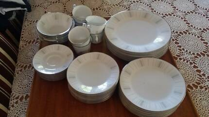 Noritake in marion area sa dinnerware gumtree australia free noritake 6 piece fine china isabella dinner set fandeluxe Images