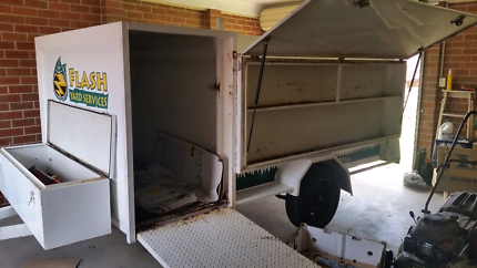 12 months 8x5 trailer,rear fold out ramp, side ramp, lift up side
