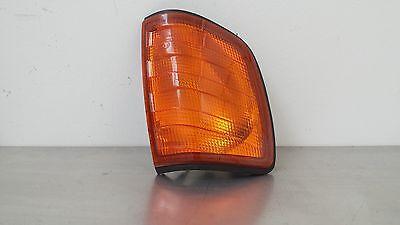 Mercedes Benz W124 E-Klasse 250 D Blinker rechts A1248260143 orange