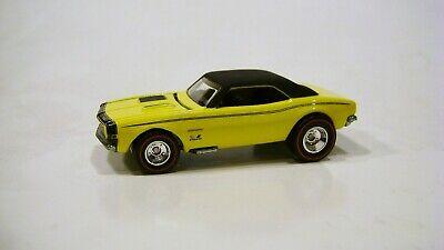 Hot Wheels Garage Set '67 Chevy Camaro Real Riders 1/64