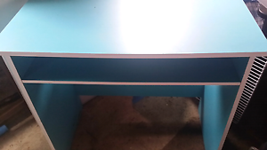Fantastuc furniture  buzz desk Figtree Wollongong Area Preview