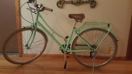 Ladies Vintage Style Bike in great condition