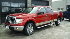 2010 Ford F-150 XLT, CREW CAB, 4x4, 6 PLACES