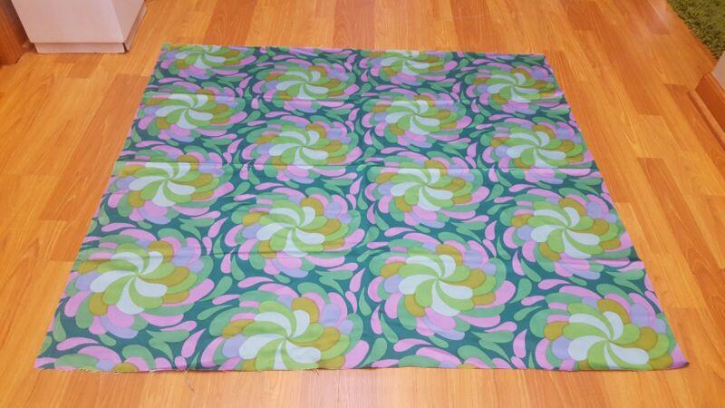 Awesome RARE Vintage Mid Century retro 70s gorgeous pinwheel swirl fabric! LOOK!