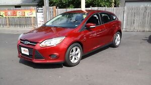 2013 FORD FOCUS SE- BLUETOOTH, SYNC, SPEED CONTROL, HEATED FRONT