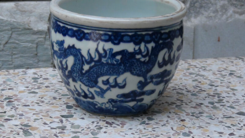 ANTIQUE GING CHINESE BLUE& WHITE PORCELAIN BRUSH POT,BOWL ,TWO DRAGONS FIGHTING