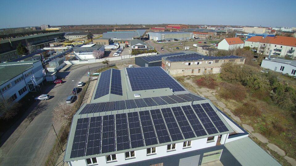 Dachflächen gesucht für Solar! ab 1000m² Halle Chemnitz Leipzig in Halle