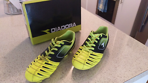 Kids Junior Football Boots Size 2 Blakeview Playford Area Preview