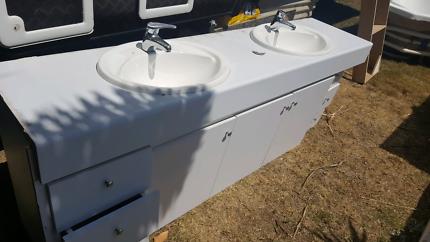 Bathroom Sinks Gumtree bathroom sink and suspended bench | building materials | gumtree