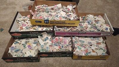 300+ Pieces Of Used US postage Stamps Off Paper Lots Of Variety