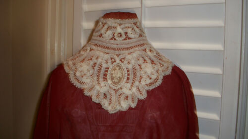ANTIQUE VICTORIAN HAND MADE COLLAR THE MOST BEAUTIFUL PIECE  I