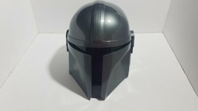 Mandolorian Helmet-Gray-Like New-Actor Scaled Size